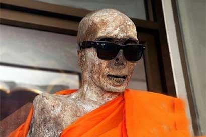 史上最酷泰国高僧龙婆达恩