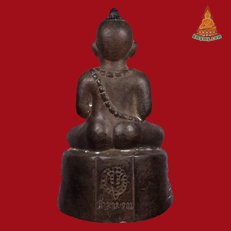 已出萨玛空鉴定卡,泰国店里还有第三期及第五期现货,行家私信。